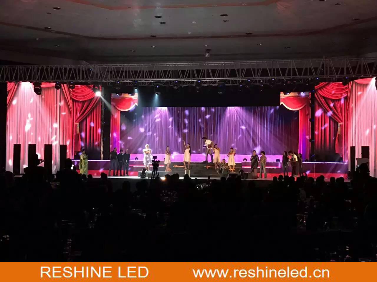 Reshine P3.91 실내 임대료 LED 위원회