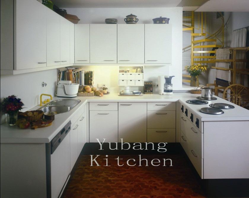 Un alto brillo blanco cocina, pintura horneada, el Gabinete de ...