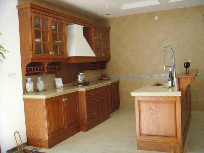 Gabinetes de cocina modernos de madera s lida con la - Disenos de cocinas de madera ...