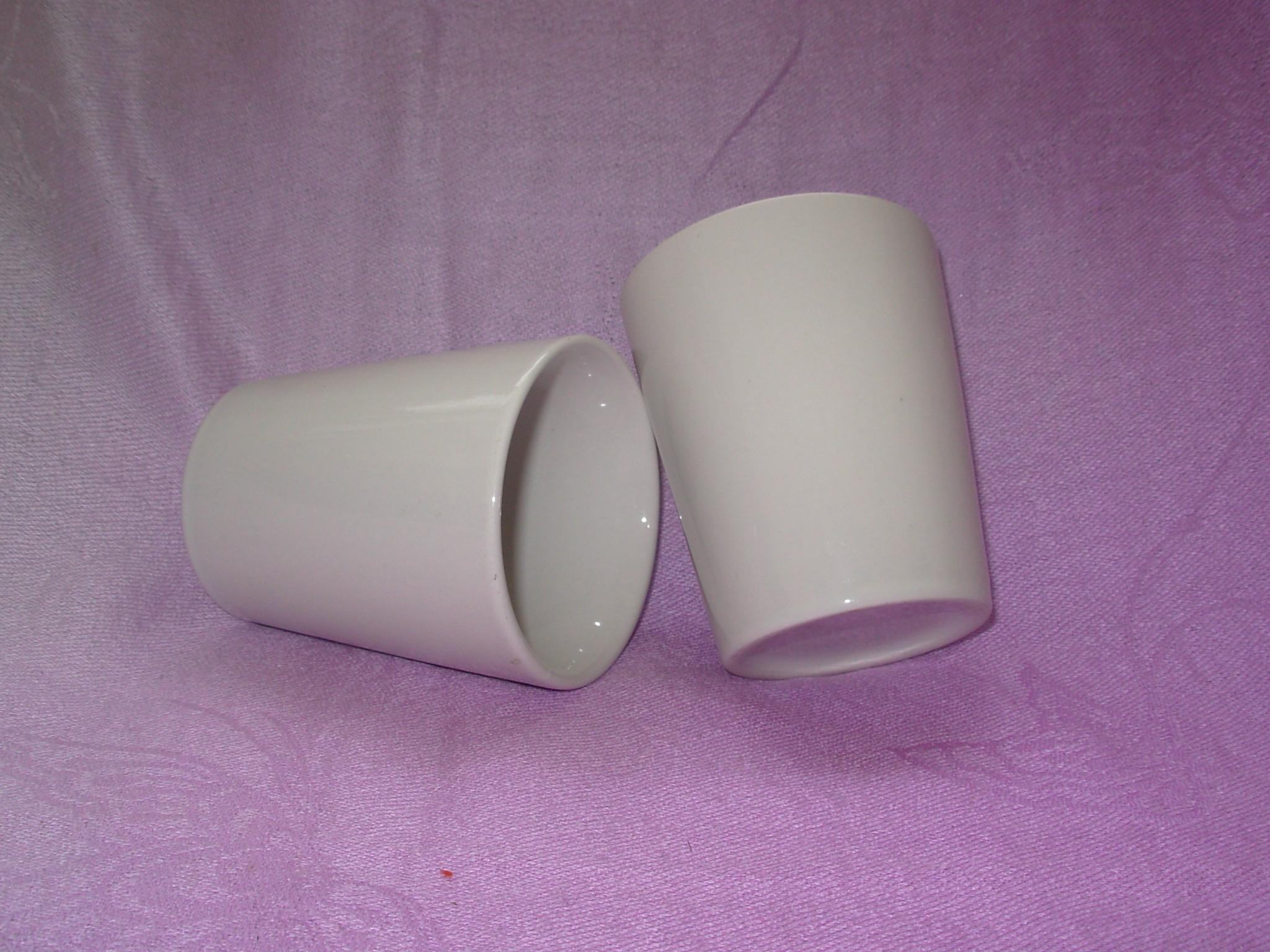 Vitrage blanc ordinaire de format personnalisé des tasses à café en céramique en forme de baril (WSY917M)