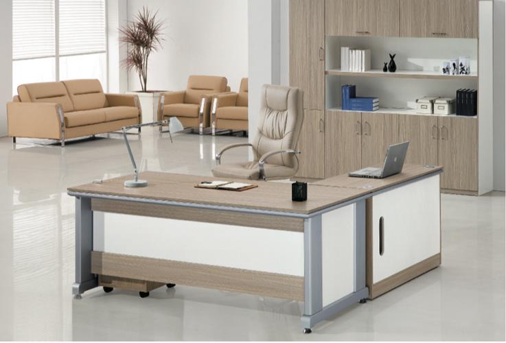 Table de bureau à la mode et chaleureuse avec meuble mobile u table