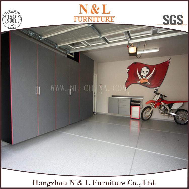 Foto de modernos muebles de oficina garaje armario de for Muebles para garage