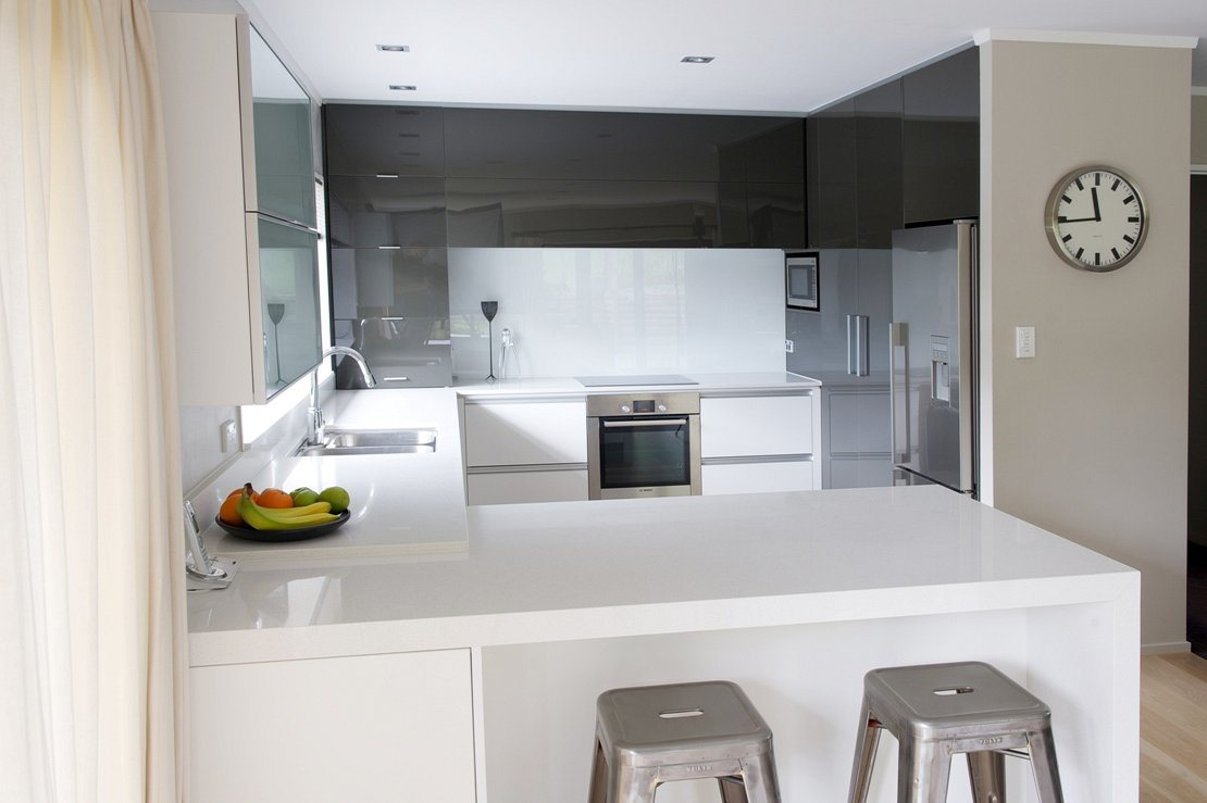Cabinet Bianco Per Cucina Di Piccole Dimensioni Dal Design ...