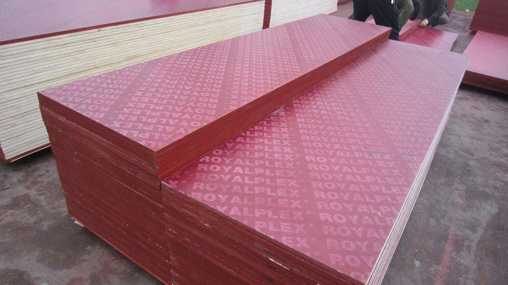 La película rojo frente la madera contrachapada con Logo (CX010)
