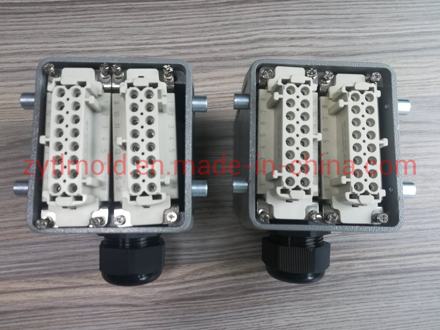 Conector de accesorios de canal caliente