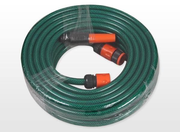 編まれる適用範囲が広いPVC物質的なファイバーは水ガーデン・ホースの管を補強する