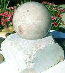 Estátua - Bola de Pedra