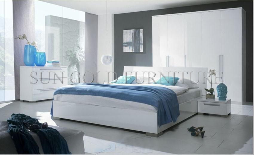Chambre à coucher King Size dans un lit de haute qualité / chambre à ...