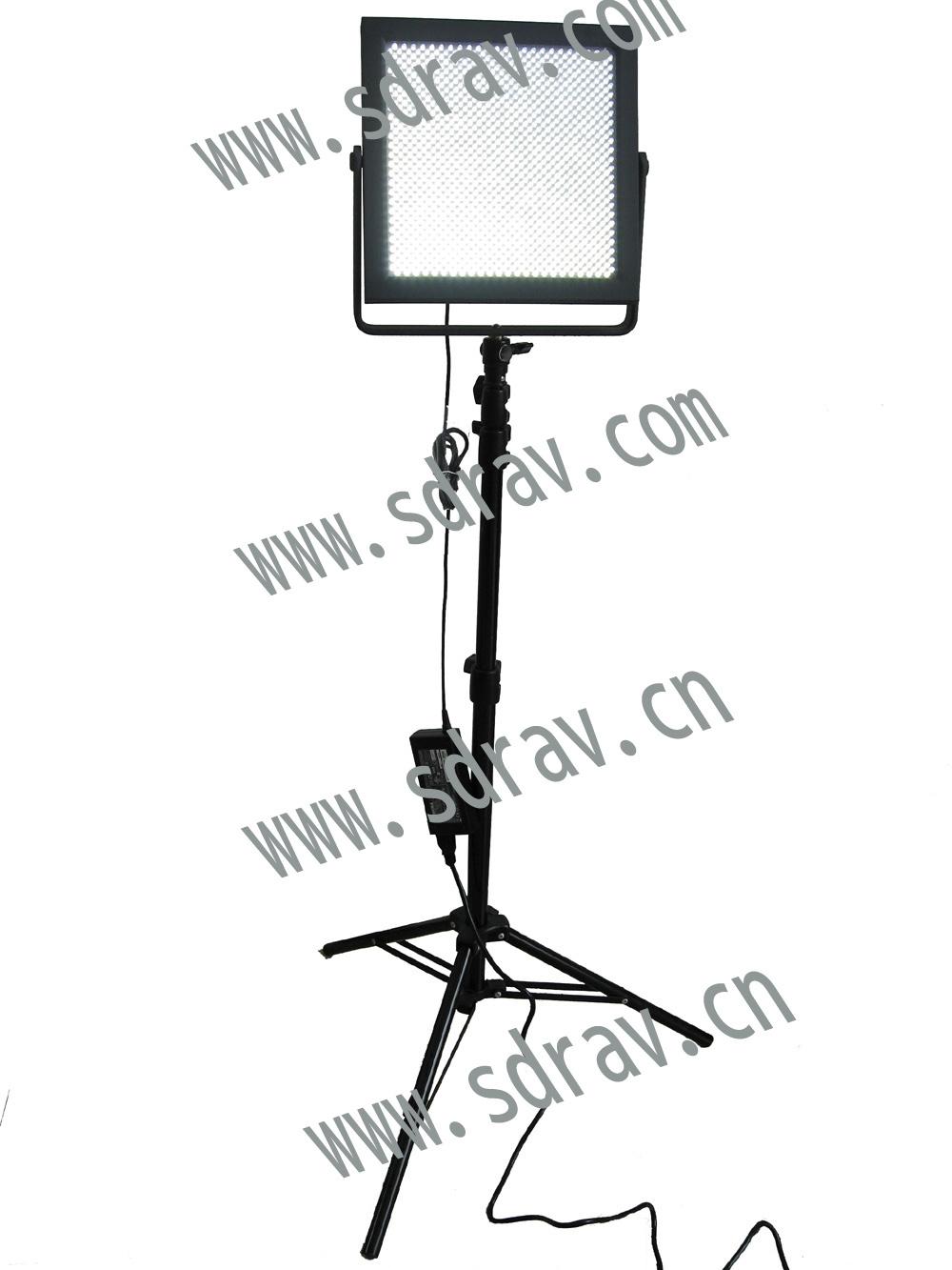 LEDのスタジオライト(LED-676B3)