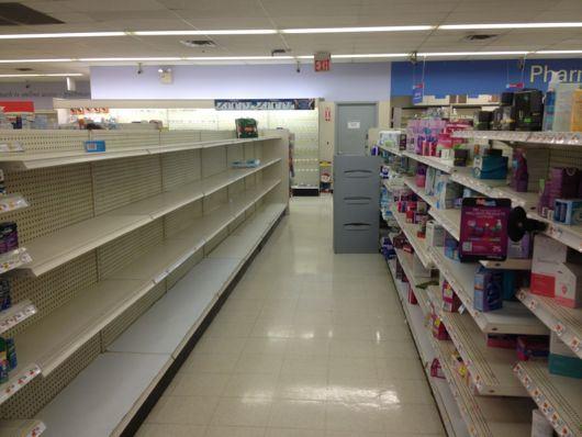 Los estantes de farmacia
