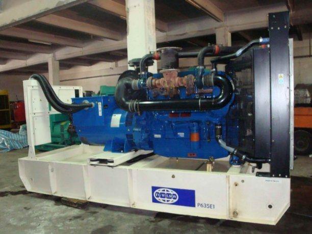 508kw 2806c-E18tag1 Diesel Generator (P635E1)