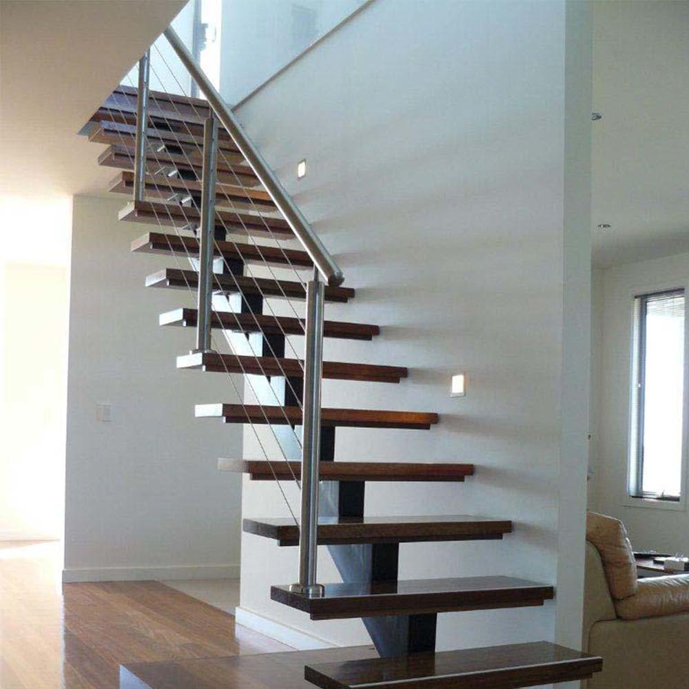 Escalier moderne en verre avec escalier de la voie de verre ...