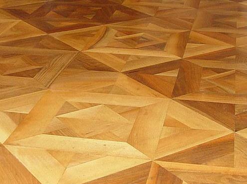 Plancher en bois machin massif de parquet de versailles for Plancher massif a clouer