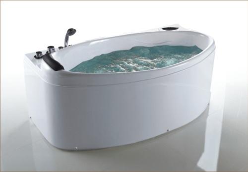 Vasca Da Bagno Jacuzzi Prezzi : Vasca da bagno della jacuzzi della singola persona con gli interi