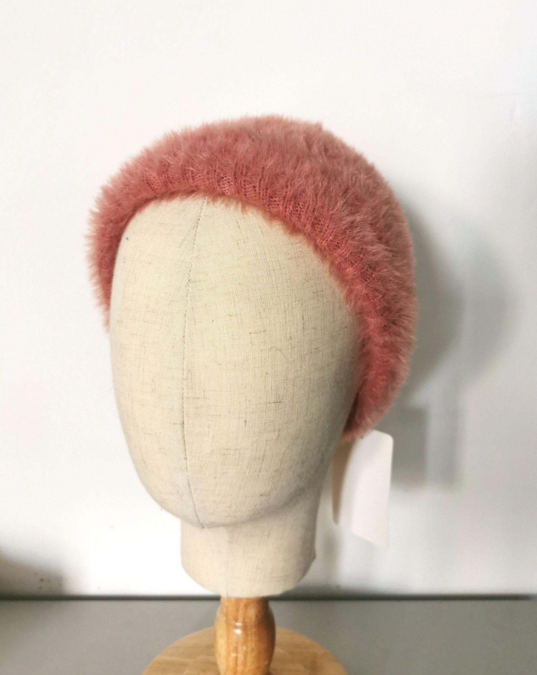 Cappello lavorato a maglia del filato fantasia di inverno di modo delle donne
