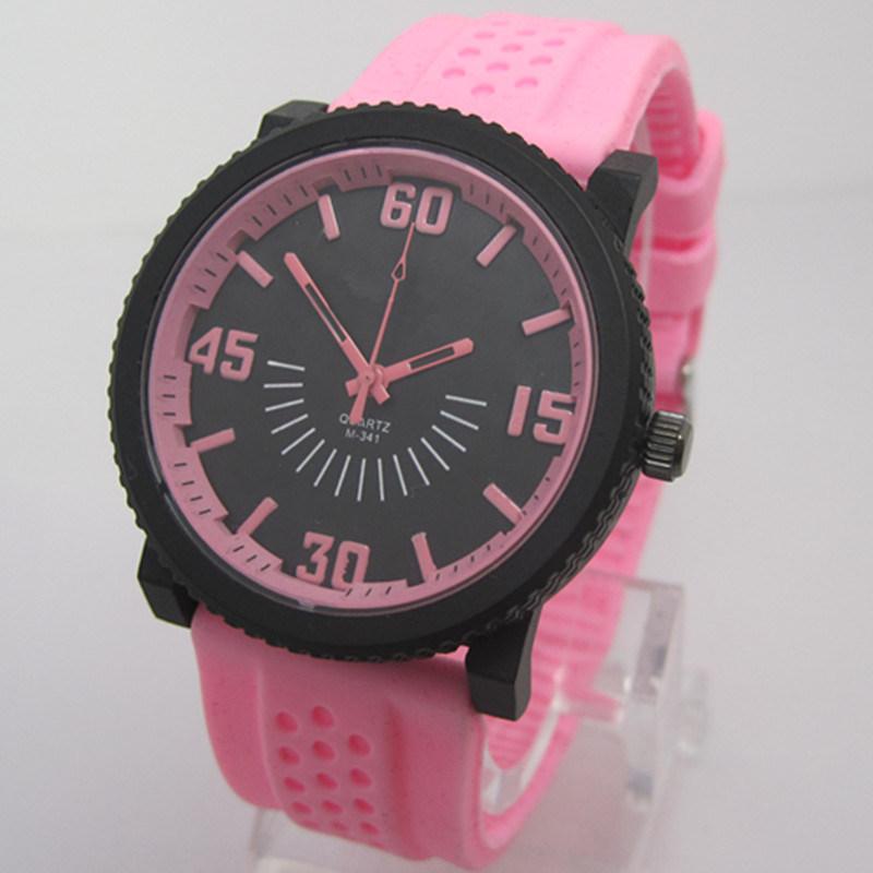 普及した多彩なシリコーンの腕時計