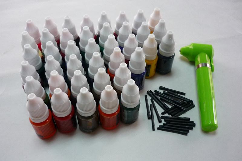 軽量の手持ち型の入れ墨の顔料インクミキサーが付いている40色の入れ墨インク顔料の大ぞろい10ml