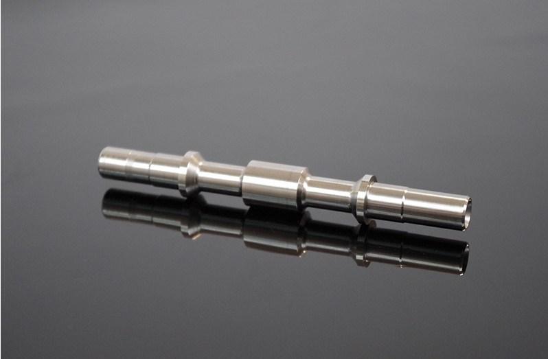 Près de la tolérance de précision en acier inoxydable Partie d'usinage CNC