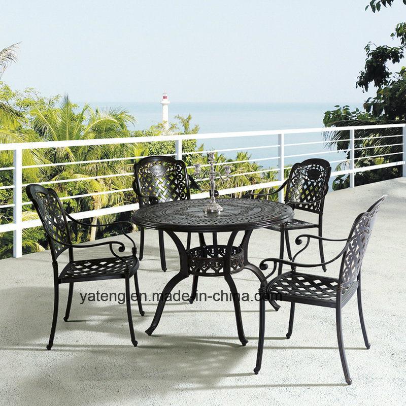 Muebles de aluminio fundido de color oscuro juego de comedor Jardín ...