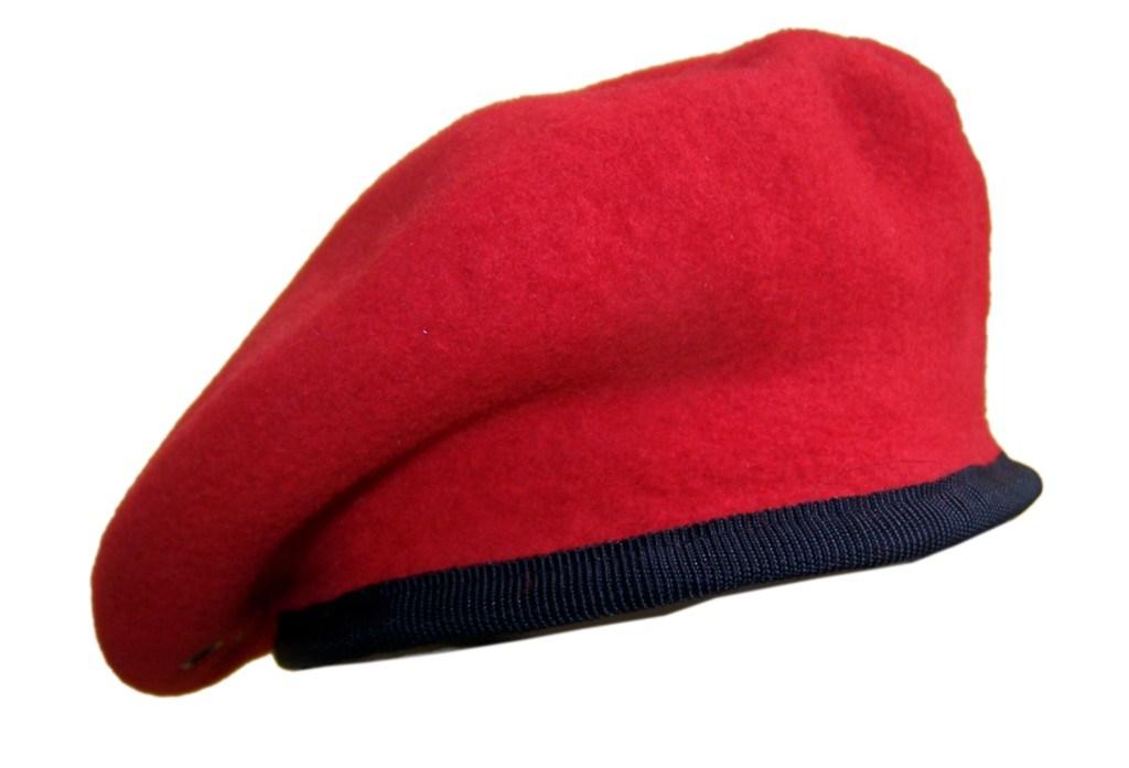 Militar de lana de boina roja   Militar de lana de boina roja . e68ed71c479