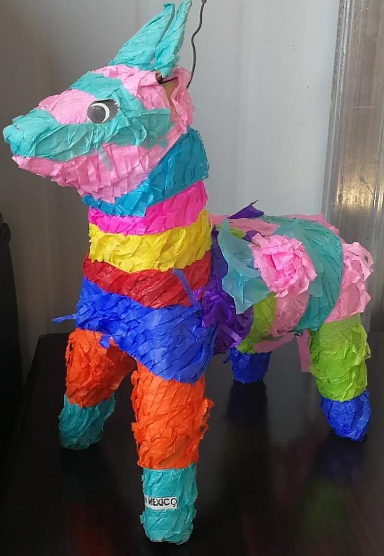 Foto de Piñata de papel artesanal como las artes y oficios de la ... be89aab55e4