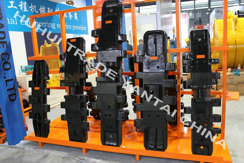 Manitowocのクローラークレーントラック靴3900 4000 4100 8000 8500 10000 11000 12000