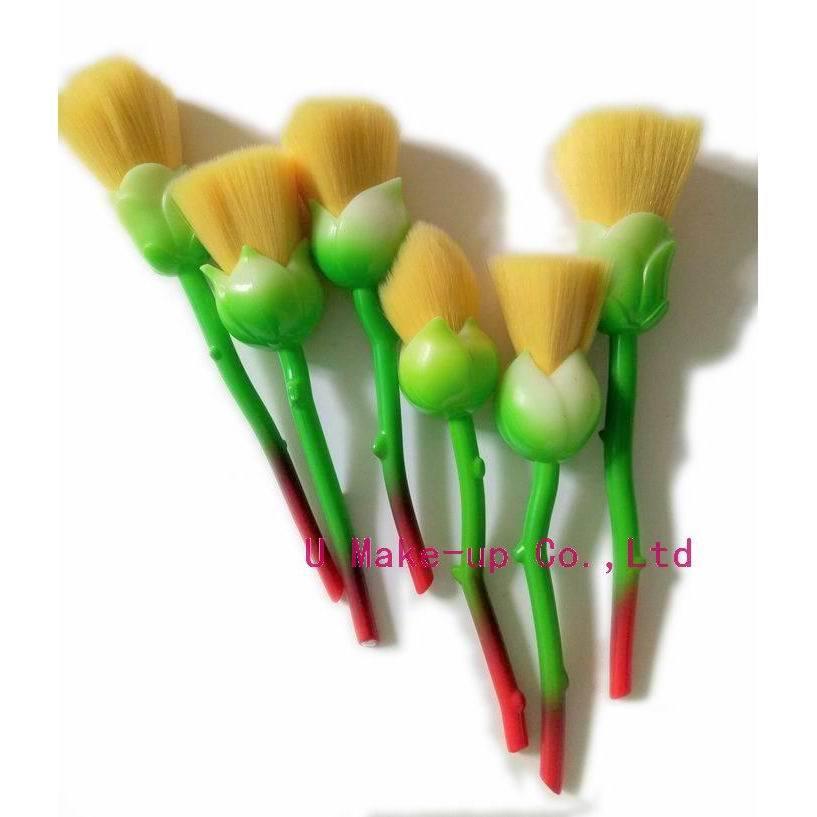 ローズの構成のブラシ、ローズのブラシセット、6PCSローズの形の化粧品のブラシ