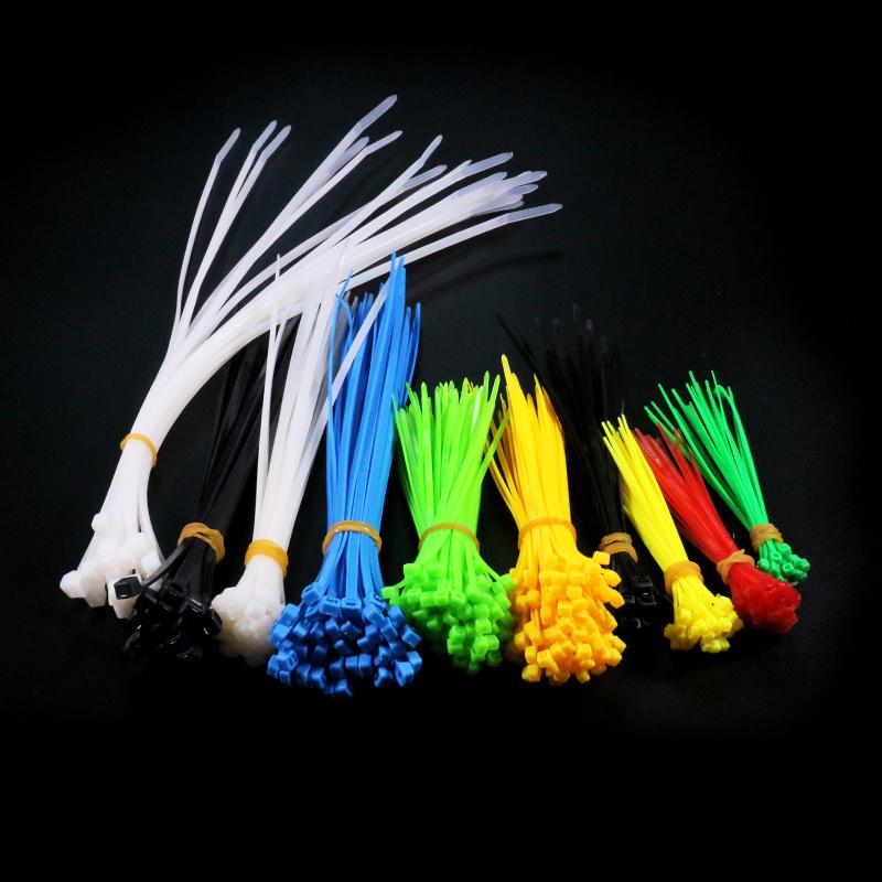 Des échantillons gratuits de protection UV des attaches de câble en nylon libérable autobloquant