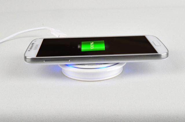 Chargeur portable sans fil Qi Mobile pour iPhone/Samsung/HTC/Blackberry/Nokia/iPad 216e