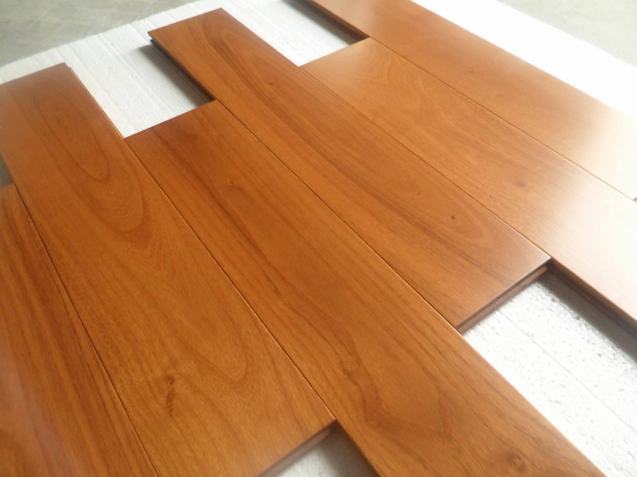 Pavimentazione di legno di Robinia prefinito – Pavimentazione di ...