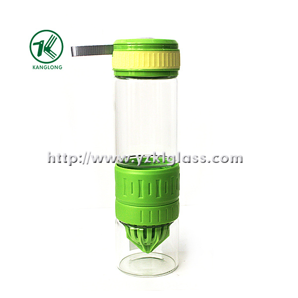 Pressung Glass Bottle mit pp. Oversleeve pp. Lid