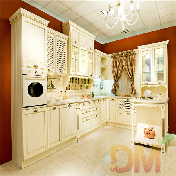 Armadio da cucina di legno di stile russo classico armadio da cucina di legno di stile russo - Elenco utensili da cucina ...
