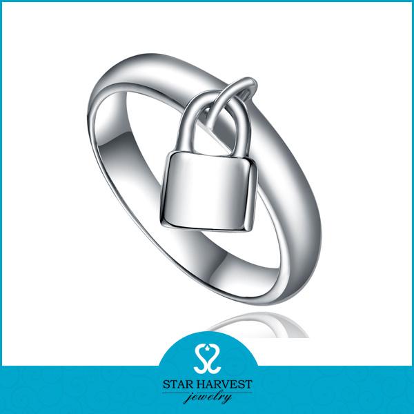 Bezaubernder silberner Finger-Ring der Form-925 (R-0597)