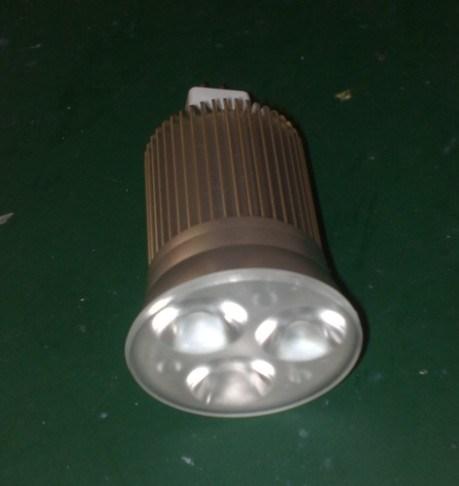 Светодиодный фонарь направленного света E27