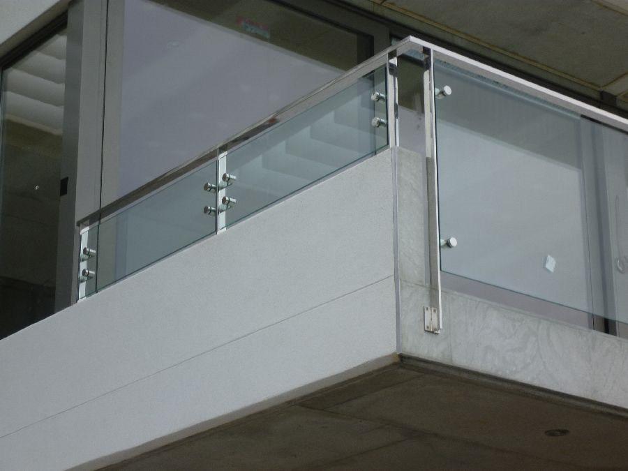 Foto de cristal interior escalera barandilla con pasamanos - Pasamanos de cristal ...