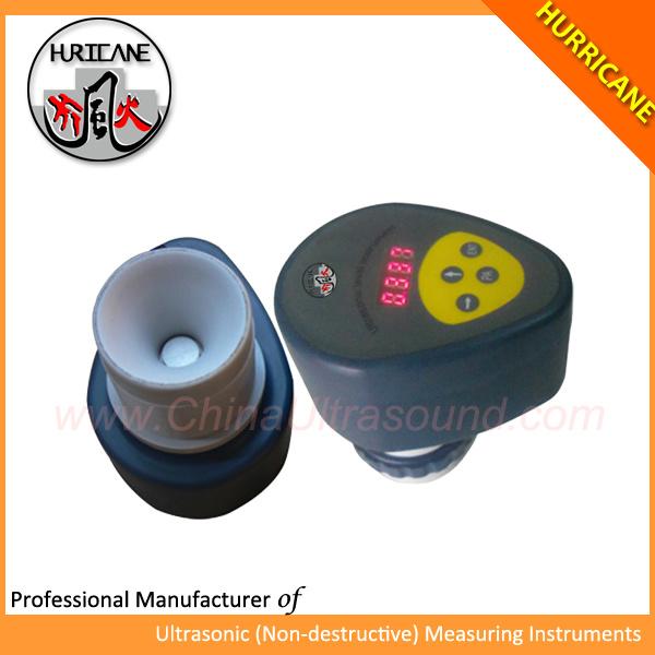超音波液体レベルメーター、 4 台のデジタル式ディスプレイ付き
