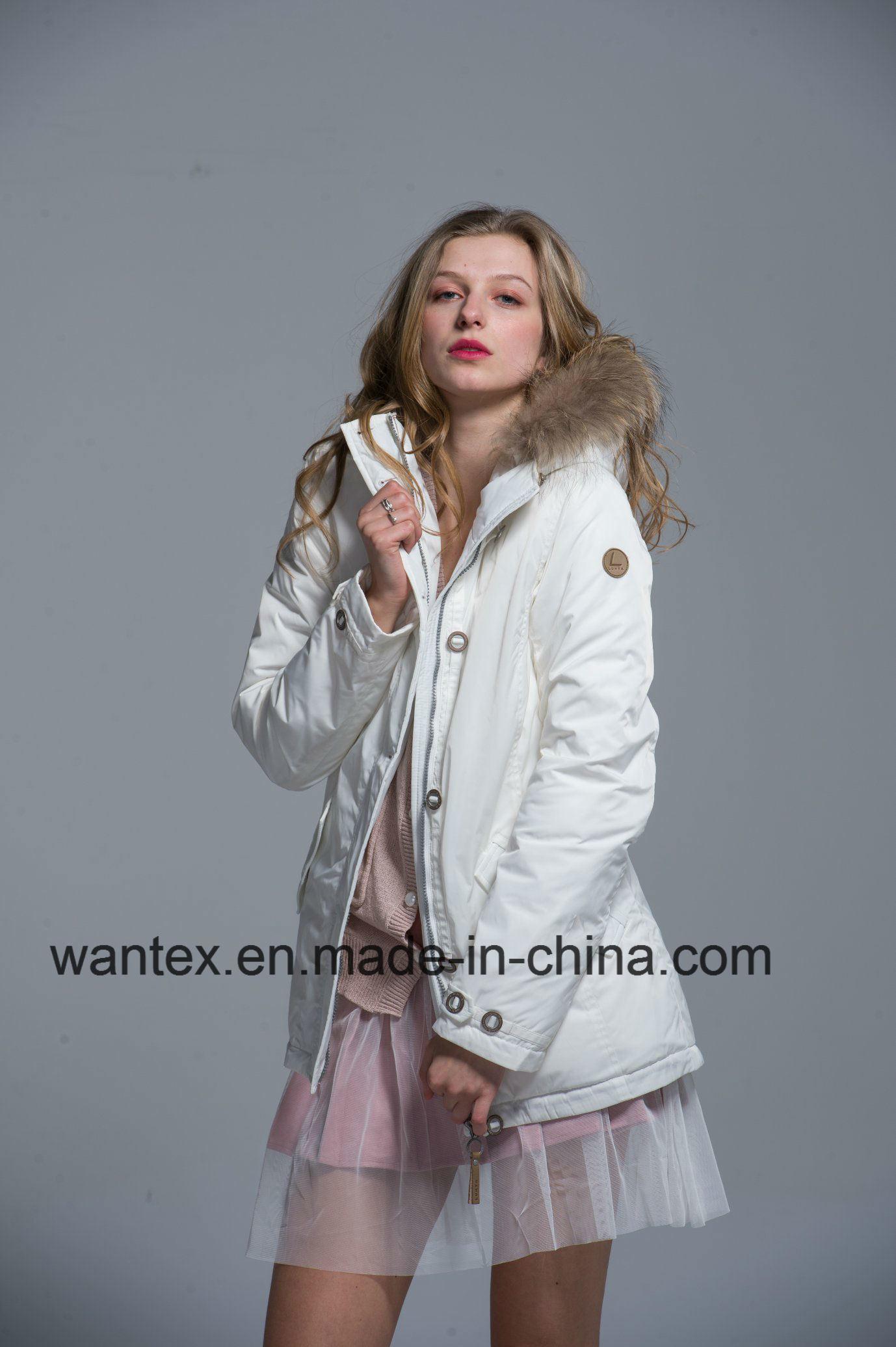 숙녀는 덧대진 외투 복장 형식 가을 겨울 나일론 백색을 데운다 푼다