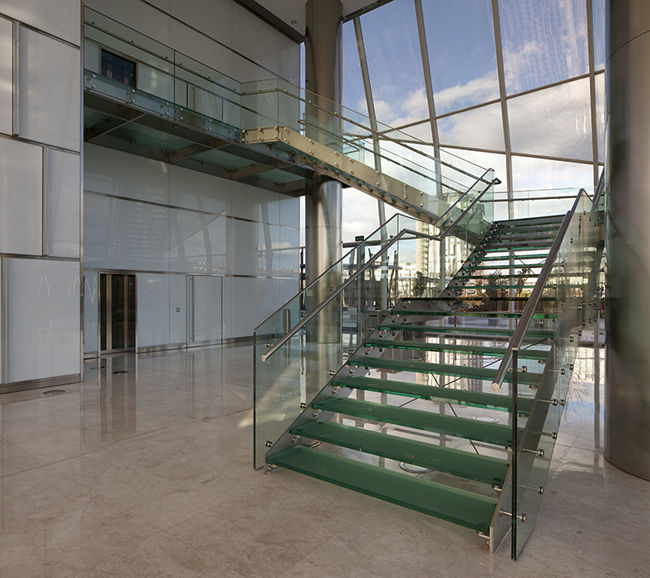 Precio escaleras interiores cheap reformas en el hogar for Escalera interior barata