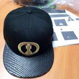 6panel Adjustable Fashion Cotton Embroidery Baseball Cap with Black Snake PU Brim