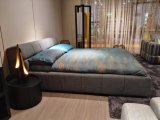 Modern Italian Upholstery Fabric King Bed with Stable Base and Headboard