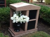 2 Niche Red Granites Cremation Columbarium for Family with Vase