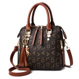 New Female Leisure Monogram Shoulder Bag with Large Capacity