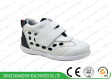 2017 New Black/ Whith Kids Health Shoes Children Sport Shoes with Breathable Design