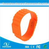 China Cheap Fitness Custom NFC RFID Silicone Wristbands