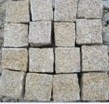 Rusty Yellow Granite G682 Granite Cube Stone Cobblestone Natural Split Flamed