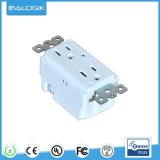 Z-Wave Wall Mounted Outlet for Home Automation (ZW32)