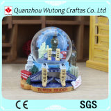 Customized Resin Snow Globe London Scenery Resin Water Globe