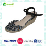 Canvas Upper with Flower, Women′s Sandals