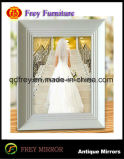 Fahionalbe Wooden Craft Photo Frame with Antique Design