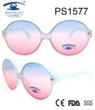 2017Italy Designer Fashion Style Oval Frame Plastic Sunglasses (PS1577)